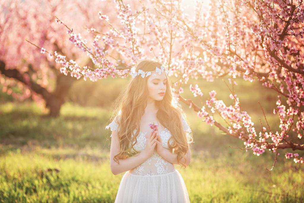 фотосессия в цветущем саду картинки же