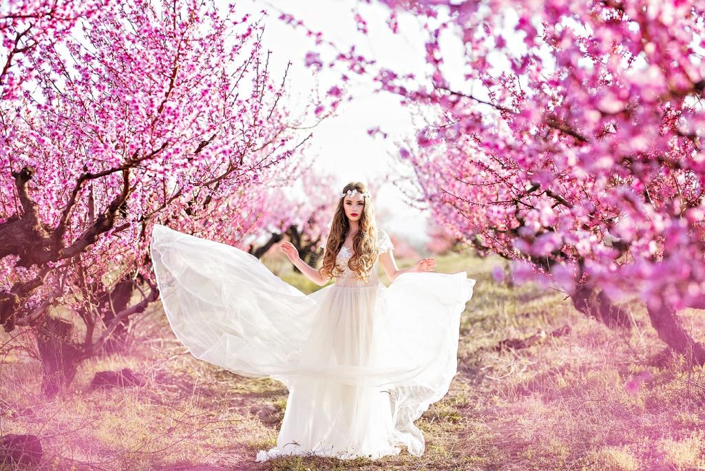ней фотосессия в цветущем саду картинки свадьба