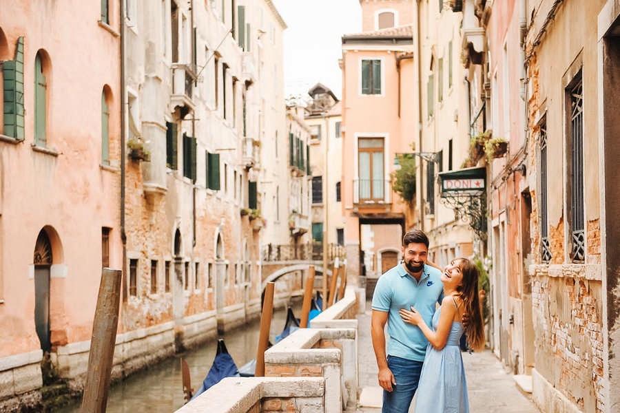 этой рубрике итальянские пары видео больше ничего