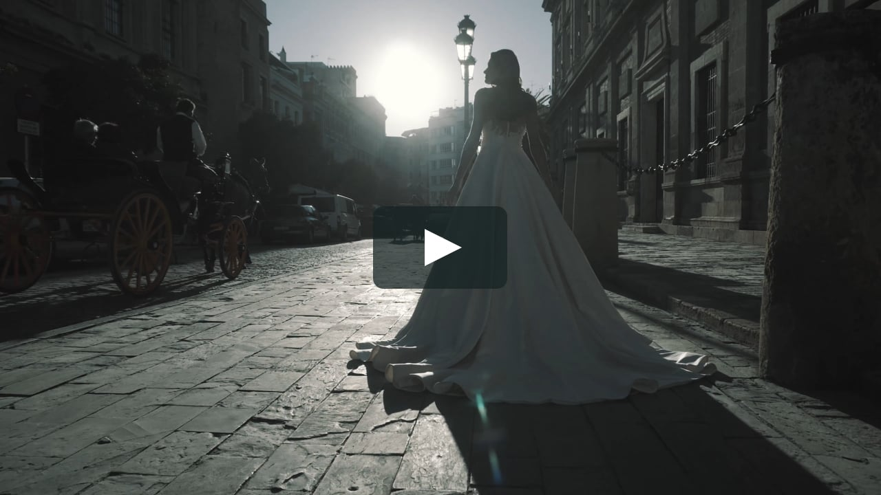 (Wedding Dress by Giovanna Alessandro 2018)