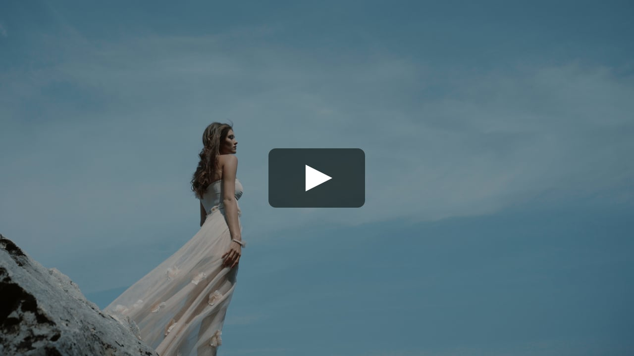 Touch the sky (Wedding Dress by Hadassa)