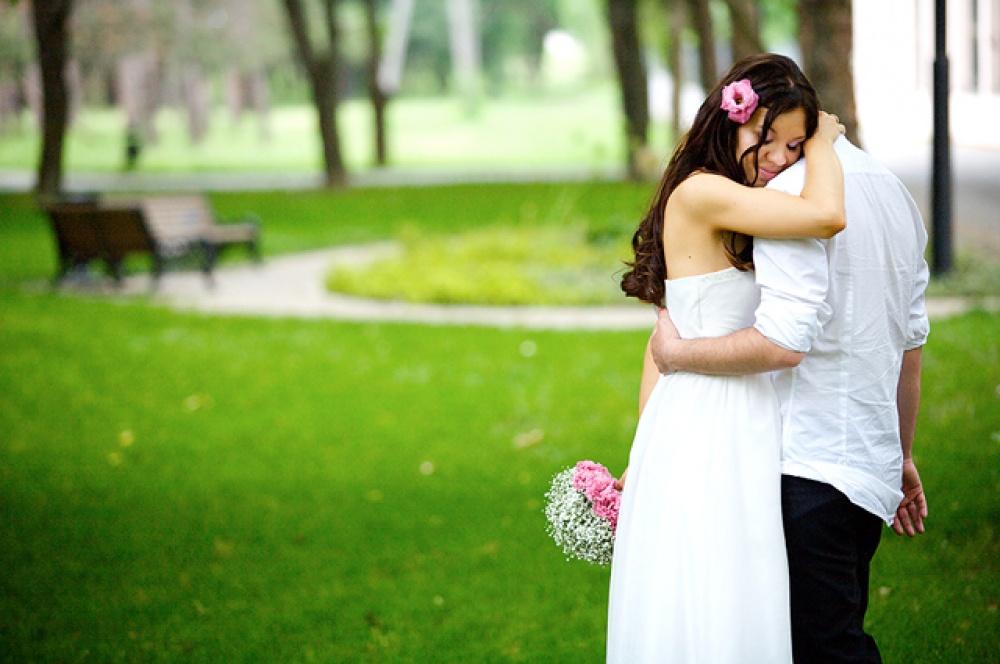 него есть мои свадебные фотографии несмотря то, что