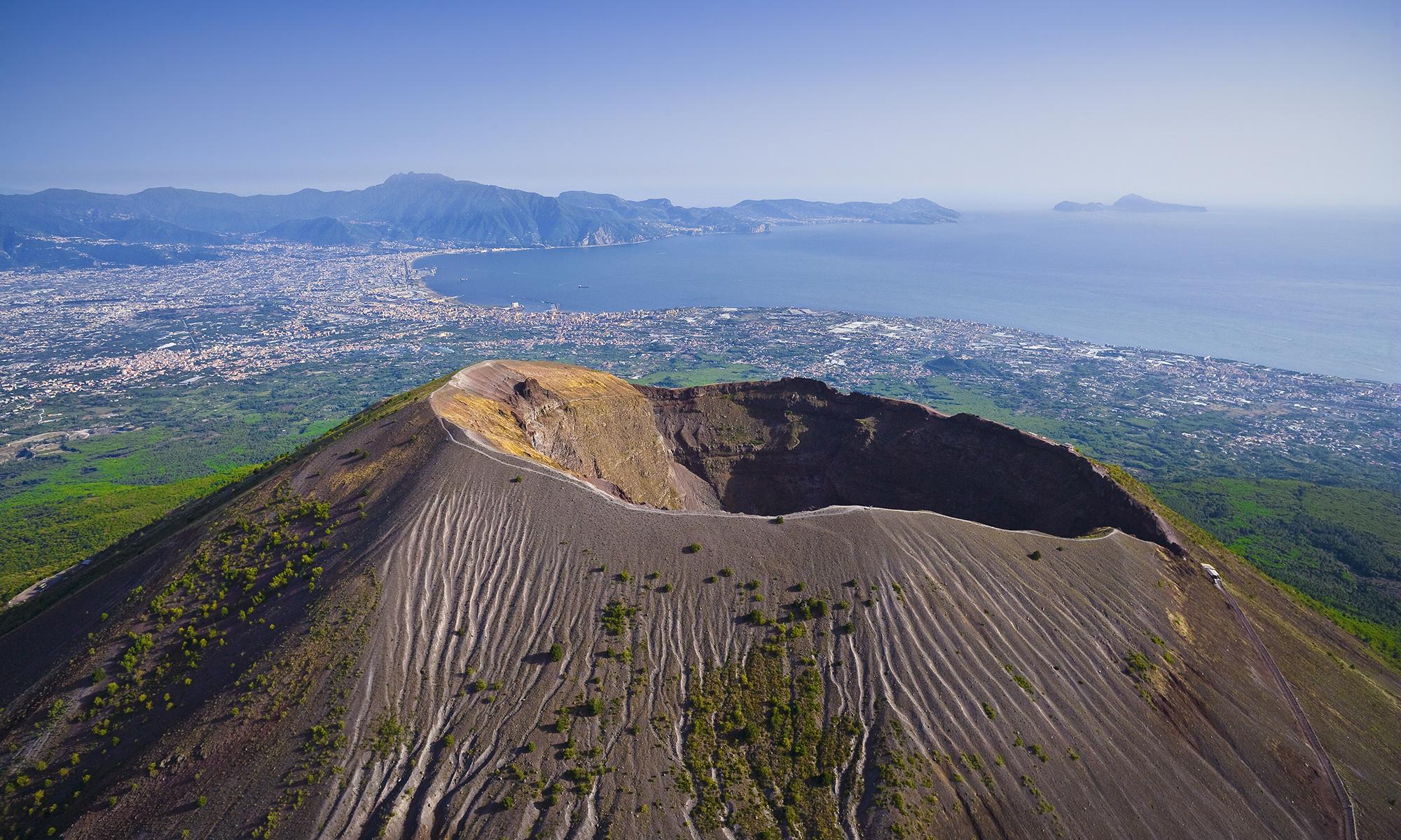 причина италия вулкан фото москве ещё